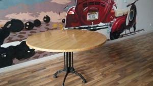 Mesas redondas.